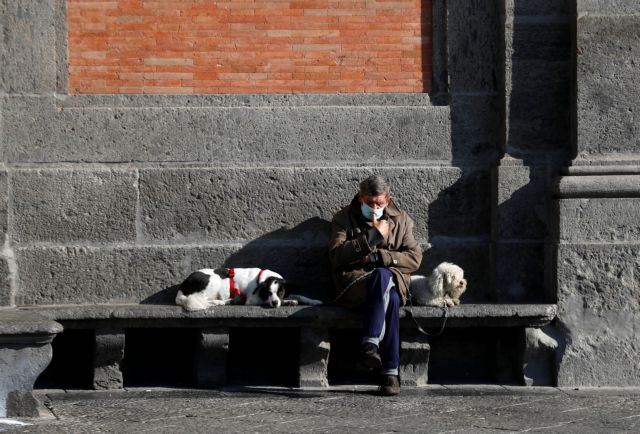 Κοροναϊός – Ιταλία : Παραμένουν πάνω από 800 οι καθημερινοί θάνατοι | tanea.gr