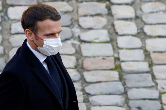 Γαλλία: Σοκαρισμένος ο Μακρόν από τη βίαιη σύλληψη ενός μαύρου από αστυνομικούς | tanea.gr