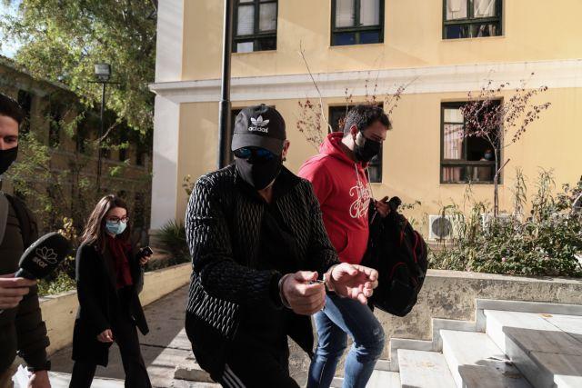 Νότης Σφακιανάκης : Ποινική δίωξη του άσκησε ο Εισαγγελέας για οπλοκατοχή και ναρκωτικά | tanea.gr