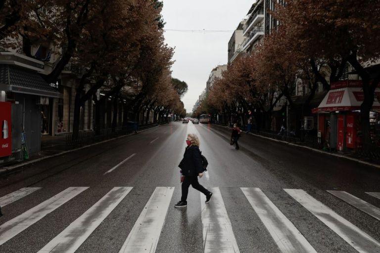 Κοροναϊός – Βασιλακόπουλος : Θα βγάλουμε τον χειμώνα με επαναλαμβανόμενα lockdown | tanea.gr