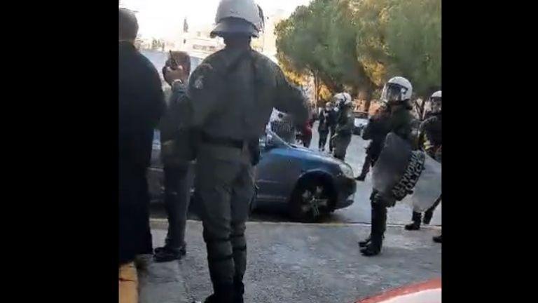 Έντονη αντίδραση του ΚΚΕ για την αστυνομική καταστολή στο Γαλάτσι | tanea.gr