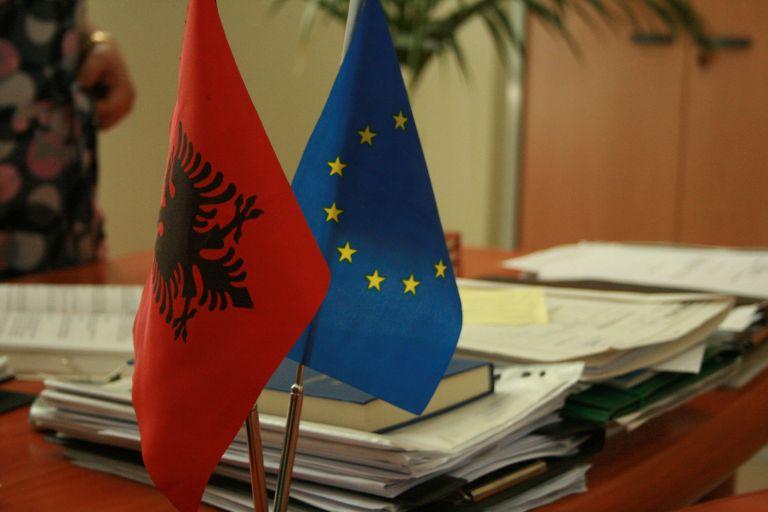 Δεν πληροί τα κριτήρια για ένταξη στην ΕΕ η Αλβανία | tanea.gr
