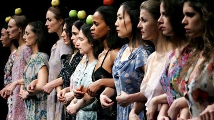Διεθνείς παραστάσεις θεάτρου και χορού που αξίζει να δούμε online | tanea.gr
