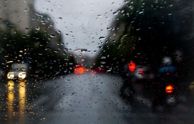 Καιρός : Ισχυρές βροχές και καταιγίδες σε Κρήτη και Δωδεκάνησα   tanea.gr