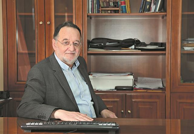 «Σε όλο τον κόσμο αν θέλουν να πλήξουν την Αριστερά επικαλούνται τον ΣΥΡΙΖΑ»   tanea.gr