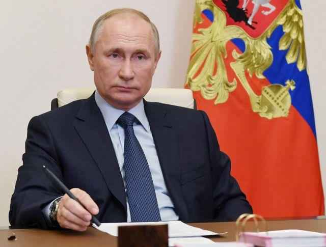 Ενόχληση του Κρεμλίνου για δημοσίευμα της Sun περί εξώγαμης κόρης του Πούτιν | tanea.gr