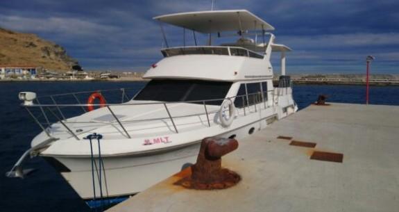 Άνδρος : Τουρκική θαλαμηγός συνδέεται με τους 42 μετανάστες που βρέθηκαν στην Κάρυστο | tanea.gr