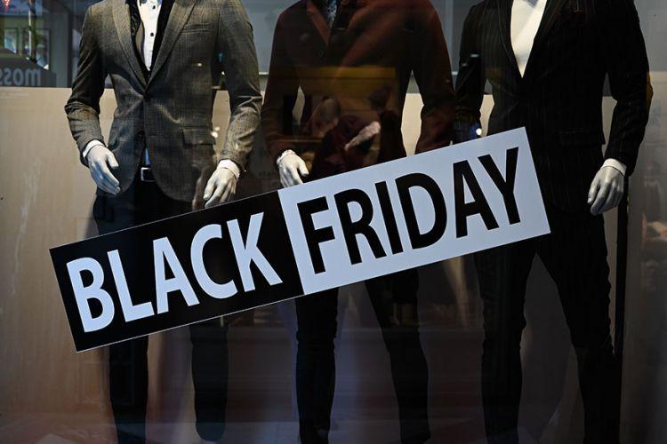 Η αγορά ζει στον ρυθμό της Black Friday | tanea.gr