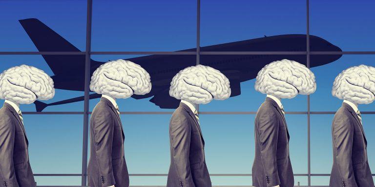 Brain... Gain: Μισός φόρος για όσους επιστρέψουν στην Ελλάδα   tanea.gr