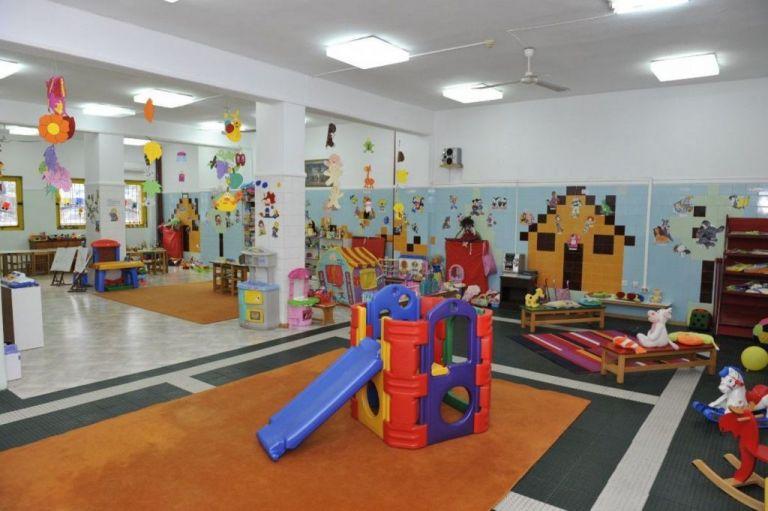 Εξαδάκτυλος για lockdown : Aνοιχτοί οι παιδικοί σταθμοί, κλειστά τα φροντιστήρια | tanea.gr