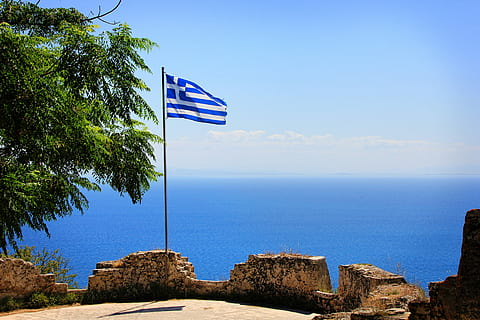 Ισχυρές πιέσεις στην ελληνική οικονομία – Μέτρα 30 δισ. για να κλείσουν οι πληγές | tanea.gr