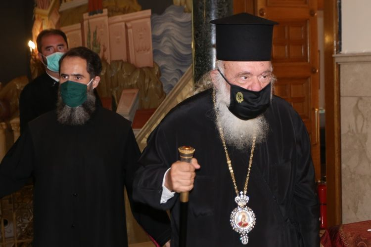 Ιερώνυμος : Ψάχνουν να βρουν πως κόλλησε ο Αρχιεπίσκοπος – Το παρασκήνιο της εισαγωγής του στον Ευαγγελισμό | tanea.gr