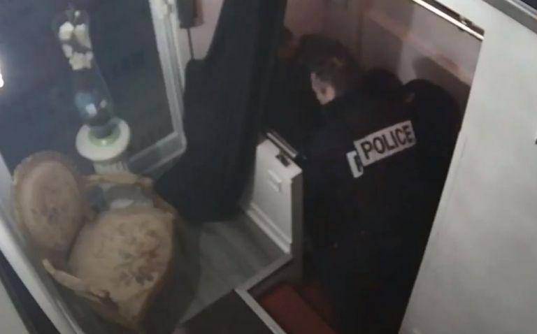 Παρίσι: Βίντεο δείχνει αστυνομικούς να βρίζουν και να ξυλοκοπούν μαύρο Γάλλο | tanea.gr