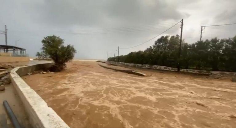 «Πνίγηκε» ξανά η Κρήτη – «Ποτάμια» οι δρόμοι   tanea.gr