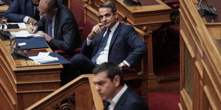 «Εκτός ελέγχου» η πανδημία – Σε διασωλήνωση η πολιτική συναίνεση | tanea.gr