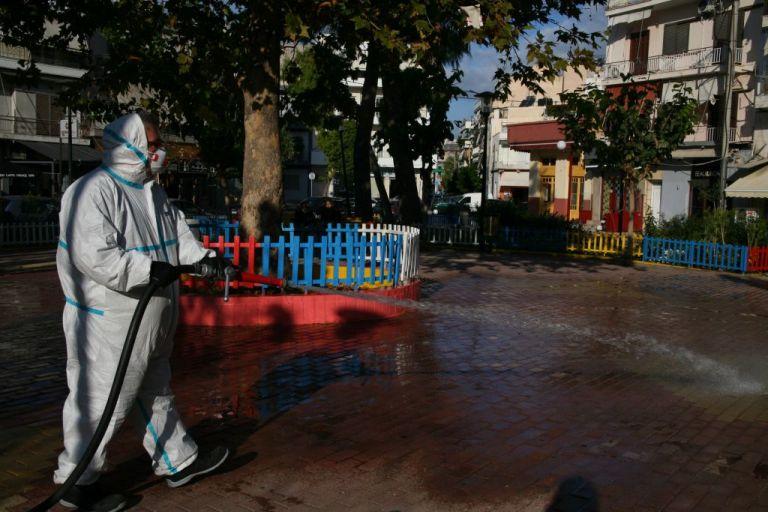 Δήμος Πειραιά : Καθαρισμός και απολύμανση κοινόχρηστων χώρων και στις πέντε Δημοτικές Κοινότητες | tanea.gr