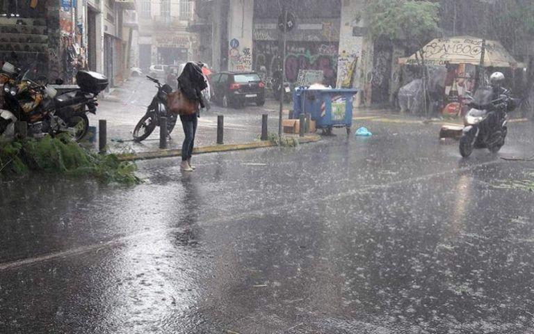 Καιρός : Σε ποιες περιοχές θα σημειωθούν βροχές και καταιγίδες σήμερα και τη Δευτέρα | tanea.gr