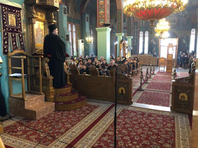 Μόνο ανήμερα των Χριστουγέννων και των Φώτων θα ανοίξουν οι εκκλησίες | tanea.gr