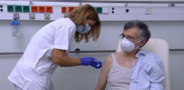 Κοροναϊός: Εμβολιάστηκε ο καθηγητής, Σωτήρης Τσιόδρας στο «Αττικόν»   tanea.gr