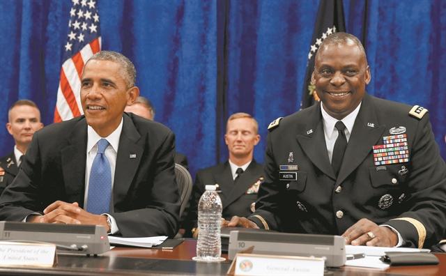 Ποιος είναι ο πρώτος αφροαμερικανός που θα ηγηθεί του Πενταγώνου | tanea.gr
