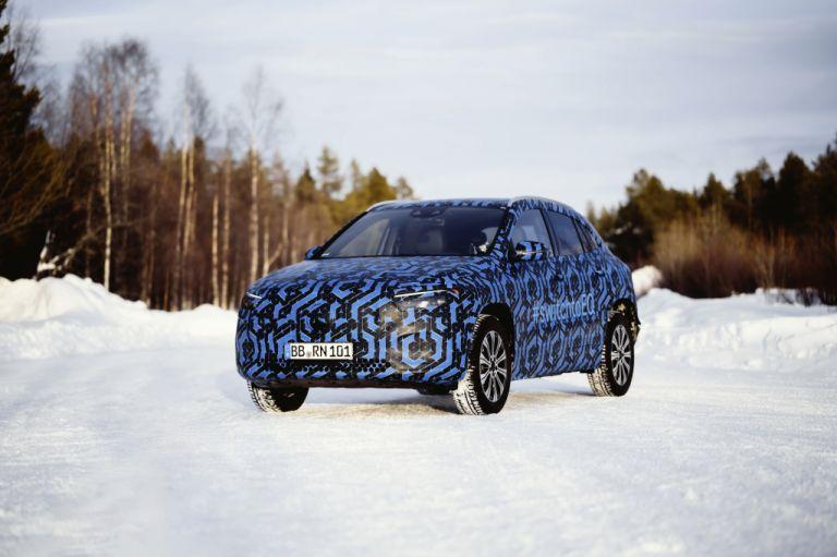 Mercedes-Benz: Μπαράζ ηλεκτρικών και Plug - in μοντέλων έως το 2025 | tanea.gr