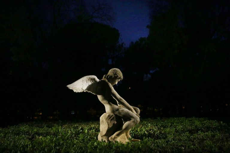 Ελευθερία Ντεκώ : Το Ζάππειο μετατρέπεται σε ένα υπαίθριο, νυχτερινό μουσείο   tanea.gr
