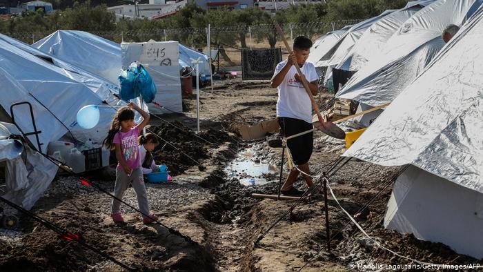 DW: Μέσα στις λάσπες και χωρίς ελπίδα στο Καρά Τεπέ | tanea.gr