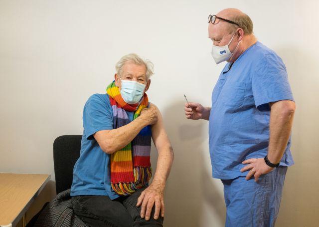 Βρετανία : Πόσοι πρέπει να εμβολιάζονται κάθε εβδομάδα για να μην υπάρξει τρίτο κύμα | tanea.gr