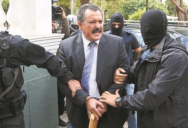 Χρήστος Παππάς : Που ψάχνει η αστυνομία για βρει τον καταζητούμενο Χρυσαυγίτη   tanea.gr