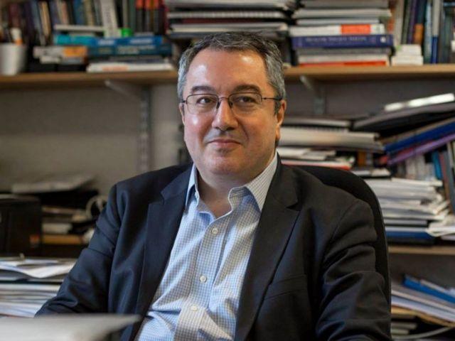 Μόσιαλος στο MEGA: Δεν γνωρίζουμε αν τα εμβόλια εμποδίζουν τη διασπορά της νόσου   tanea.gr