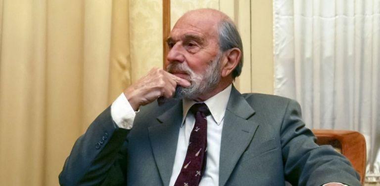 Τζορτζ Μπλέικ : Πέθανε ο θρυλικός Βρετανός κατάσκοπος - Υπήρξε διπλός πράκτορας για την KGB | tanea.gr