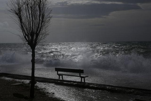 Kαιρός : Βροχές και καταιγίδες – Πού θα χιονίσει | tanea.gr