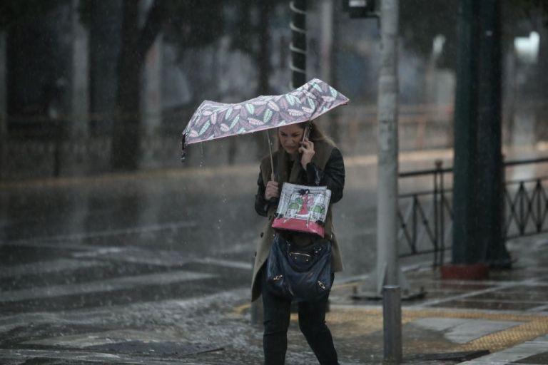 Καιρός : Βροχές και καταιγίδες σε αρκετές περιοχές της χώρας   tanea.gr