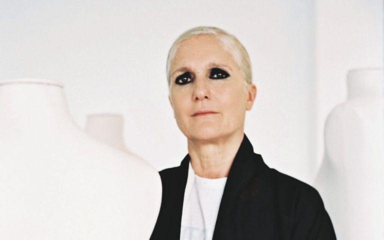 Ινκόγκνιτο επίσκεψη της καλλιτεχνικής διευθύντριας του Dior στα Ανώγεια   tanea.gr