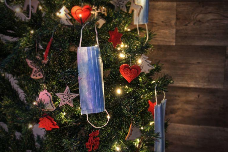 Lockdown : Χριστούγεννα με σκληρά μέτρα – Πώς θα κινηθούμε στις γιορτές και τι επιτρέπεται | tanea.gr