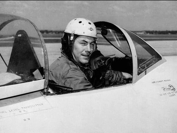 Τσακ Γέγκερ : Πέθανε ο πρώτος πιλότος που έσπασε το φράγμα του ήχου   tanea.gr