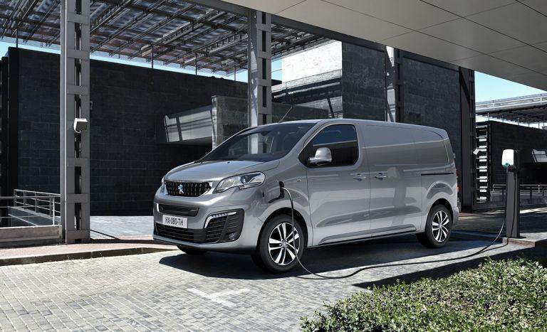 "To νέο, ηλεκτρικό βανPEUGEOT e-EXPERTαναδείχθηκε""Van of The Year 2021"" | tanea.gr"