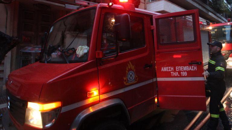 Μεγάλη πυρκαγιά σε βιοτεχνία κεριών στο Μοσχάτο   tanea.gr