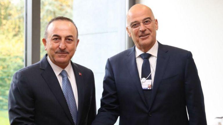 Δένδιας προς Τσαβούσογλου :  Είθε το 2021 η Τουρκία να σταματήσει τις απειλές πολέμου στην Ελλάδα   tanea.gr