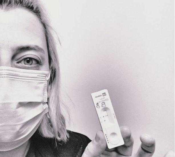 Ο πρόεδρος της ΠΟΕΔΗΝ επικοινώνησε με τη νοσηλεύτρια σε ΜΕΘ που δεν της νοίκιασαν σπίτι | tanea.gr
