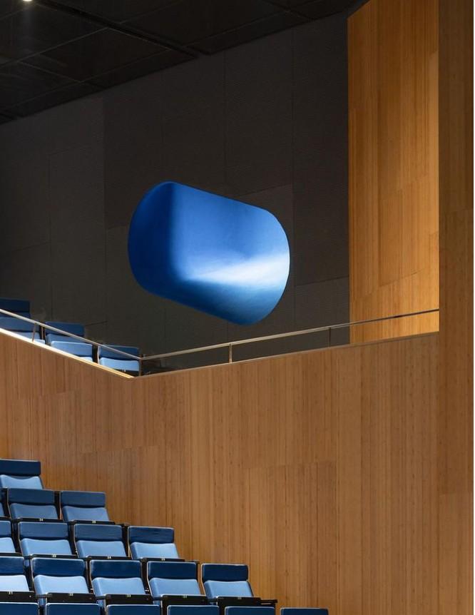 Μια «Μπλε Φάλαινα» για διάβασμα και θέατρο   tanea.gr