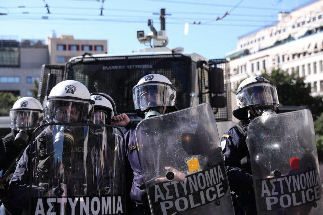 Η απαγόρευση συναθροίσεων προκαλεί αντιδράσεις και βάζει... φωτιά στο πολιτικό σκηνικό | tanea.gr