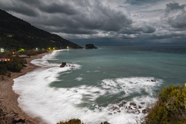 Καιρός : Καταιγίδες, χαλάζι και ισχυροί νοτιάδες – Ποιες περιοχές θα επηρεαστούν | tanea.gr