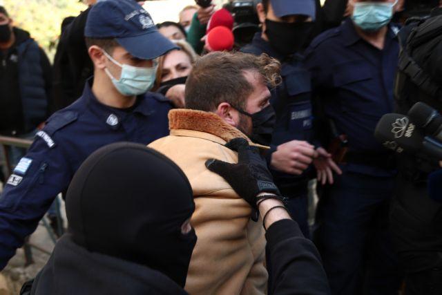 Βιασμός 11χρονης : Aίτημα να αφεθεί ελεύθερος αλλά με «βραχιολάκι» κατέθεσε ο προπονητής | tanea.gr