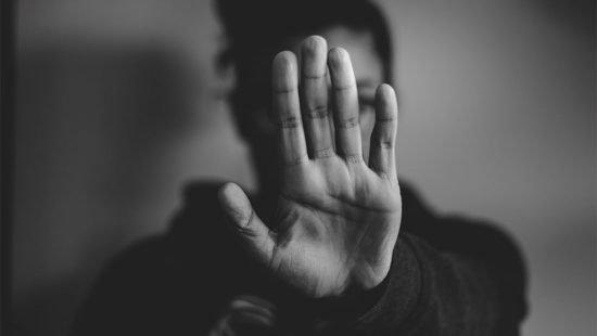 Ερευνα Prorata : Σχεδόν επτά στις δέκα γυναίκες έχουν υποστεί σεξουαλική παρενόχληση ή κακοποίηση | tanea.gr