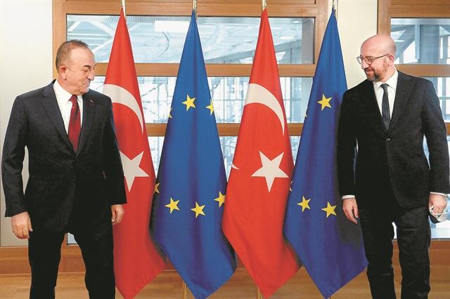 «Οσο ευχαριστείτε τον Ερντογάν τόσο εκείνος σας χρησιμοποιεί»   tanea.gr