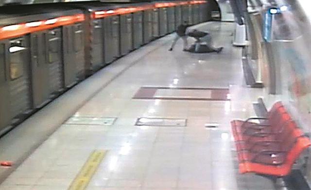 Πώς έφτασε η Αστυνομία στα ίχνη των δραστών της επίθεσης στο μετρό | tanea.gr