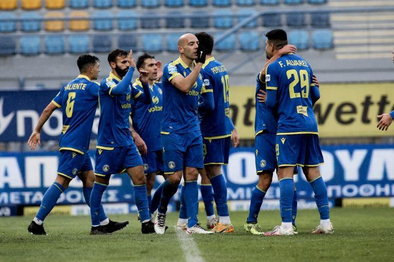 Καθάρισε ο Μπαράλες για τον Αστέρα, 1-0 τη Λάρισα | tanea.gr