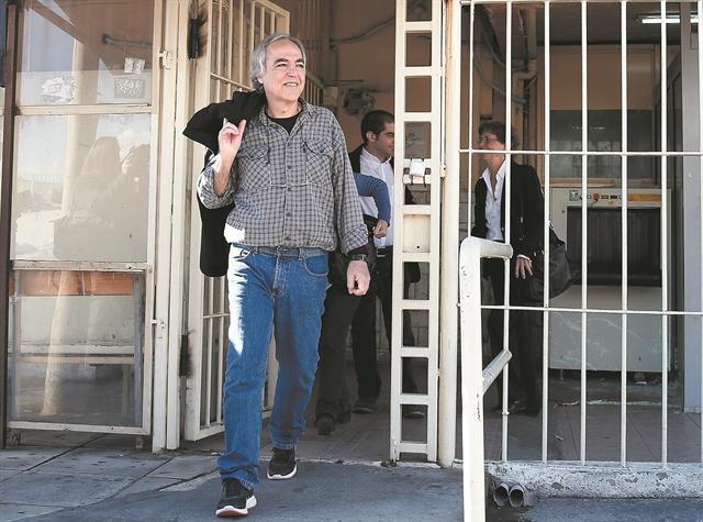 Στους δικαστές το «κλειδί» για την αποφυλάκιση Κουφοντίνα   tanea.gr