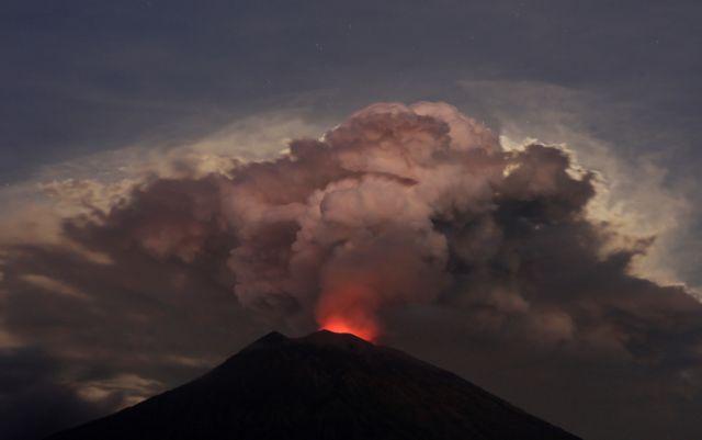 Ινδονησία : Έκρηξη του ηφαιστείου Σεμέρου | tanea.gr